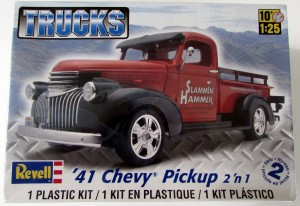 MONOGRAM 7202 - 1/25 '41 CHEVY PICKUP 2N1